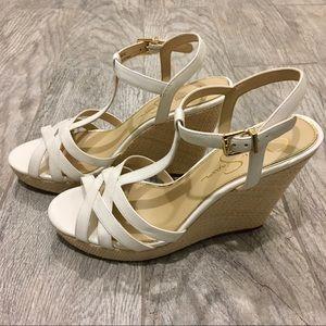 JESSICA SIMPSON White/Gold Heels NWOT